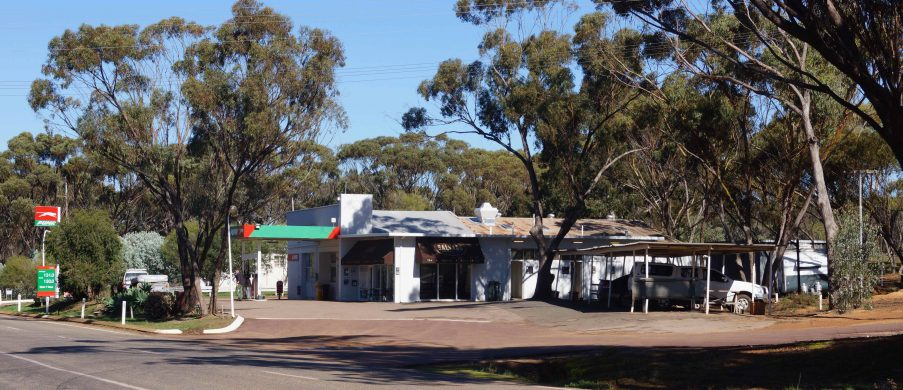 Cooked breakfast and home-made meals at the New Norcia Roadhouse